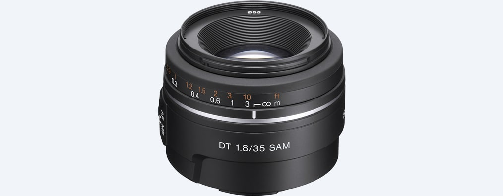 Images of DT 35 mm F1.8 SAM